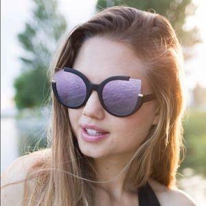 Raising Wild Roxanne sunglasses